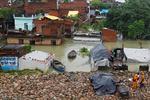 ہندوستان اور سری لنکا میں طوفان سے 16 افراد ہلاک