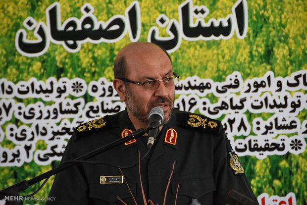 وزير الدفاع: ايران تصنع صواريخ باليستية بأبعاد مختلفة وبقدرات تدميرية فائقة