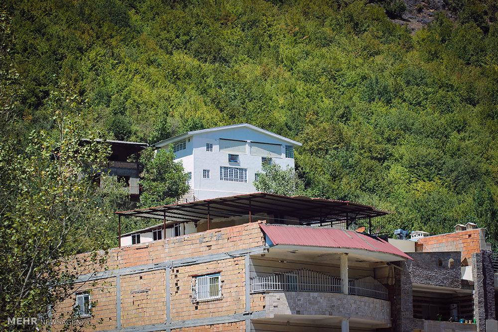 ساخت و ساز بی رویه در روستای زیارت استان گلستان