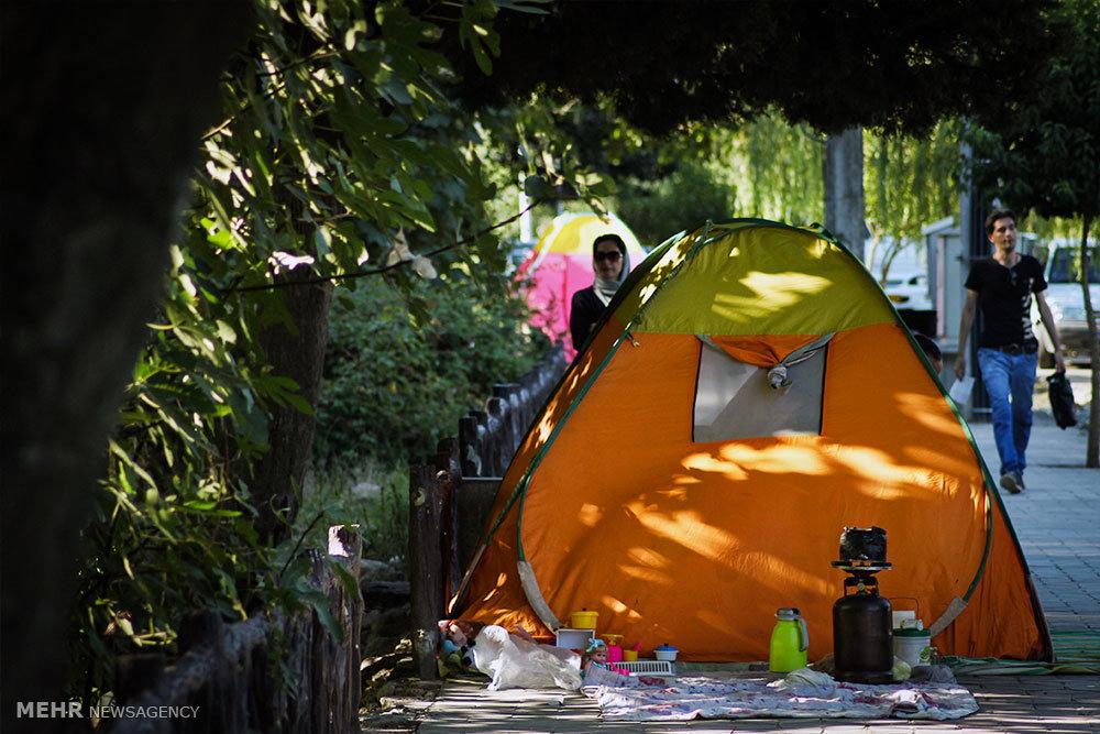 مسافران تابستانی در ناهارخوران گرگان