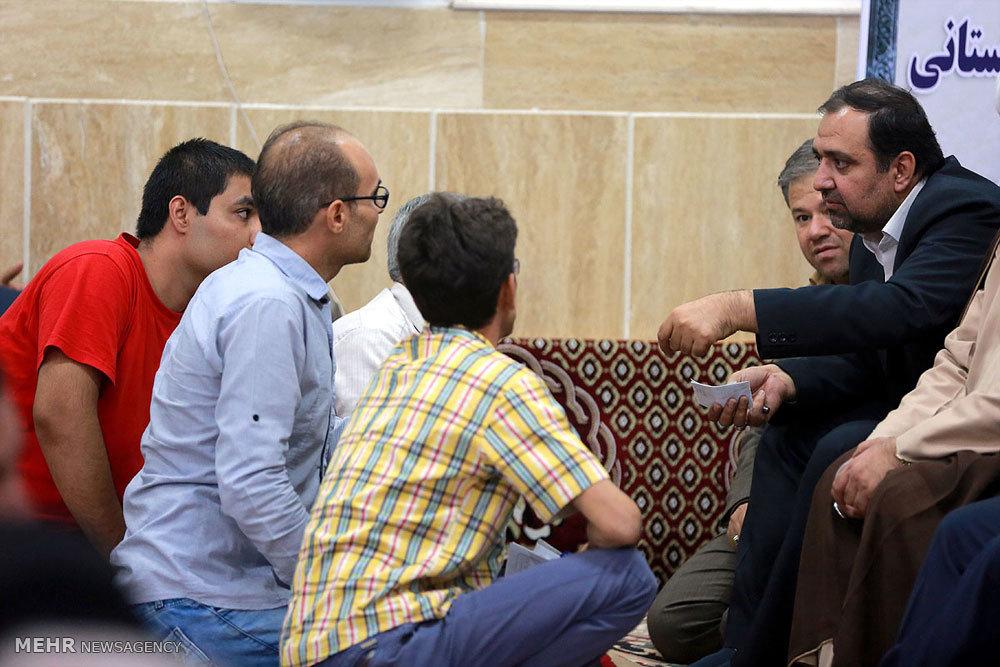 پاسخگویی مسئولان دولتی استان قم به سوالات مردم