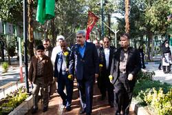 «سورنا ستاری» در مراسم تشییع سردار سلیمانی حاضر شد