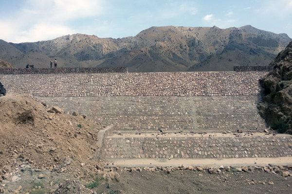 افتتاح بند خاکی روستای «انگشته» بروجرد