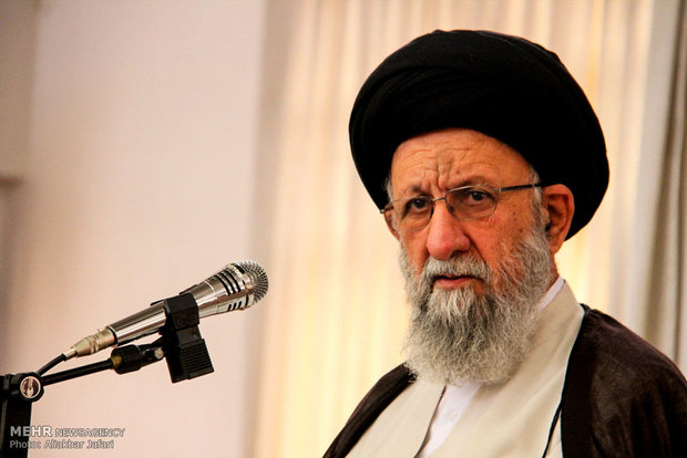 ممثل الولي الفقيه في كلستان: أهل السنة لعبوا دورا فاعلا في مشهد الثورة الاسلامية