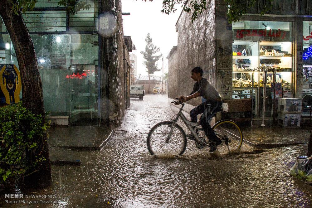 آبگرفتگی در معابر و خیابانهای شهر بجنورد