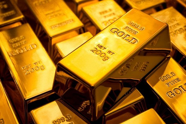 قیمت جهانی طلا به بالاترین رکورد چندین ساله خود نزدیک ماند