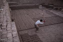 زندگی و کار کارگران سخت کوش کوره های آجرپزی اطراف تهران