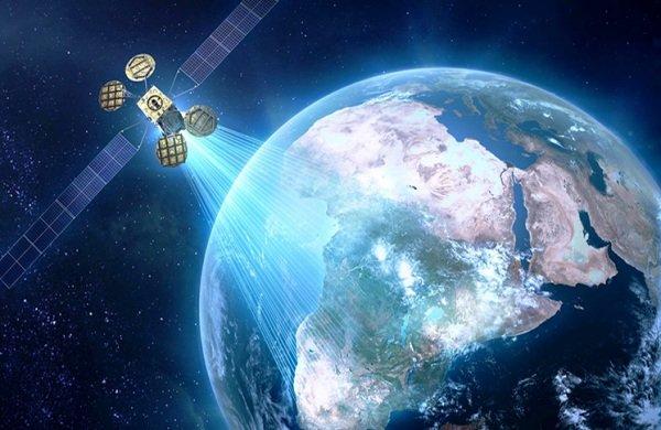 """وكالة الفضاء الإيرانية تعلن عن الانتهاء من تصميم قمر """"ظفر """" الفضائي"""