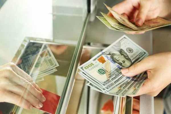 سیگنالهای دلار بودجه ۹۷ به اقتصاد ایران/خبری از ارز تک نرخی نیست