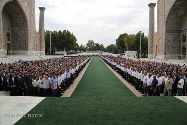 Zarif attends Islam Karimov funeral