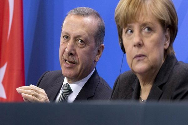 گفتگوی تلفنی اردوغان و مرکل درباره لیبی