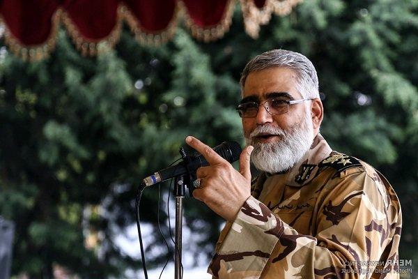 العميد بوردستان: طائرات بدون طیار تابعة للجيش الايراني تؤدي مهمات بعیدة المدی