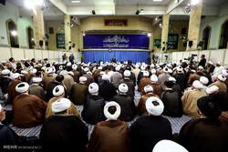 مشاهد من المحاضرة التي القاها قائد الثورة الاسلامية على طلبة العلوم الدينية
