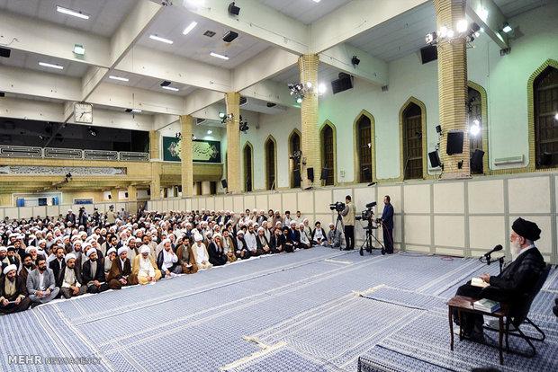المحاضرة التي القاها قائد الثورة الاسلامية على طلبة العلوم الدينية
