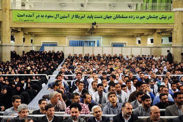 دیدار خانوادههای شهدای منا، مسجدالحرام و حج سال ۶۶ بارهبر انقلاب