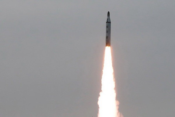 آزمایش موفقیت آمیز موتور یک موشک قوی توسط کره شمالی