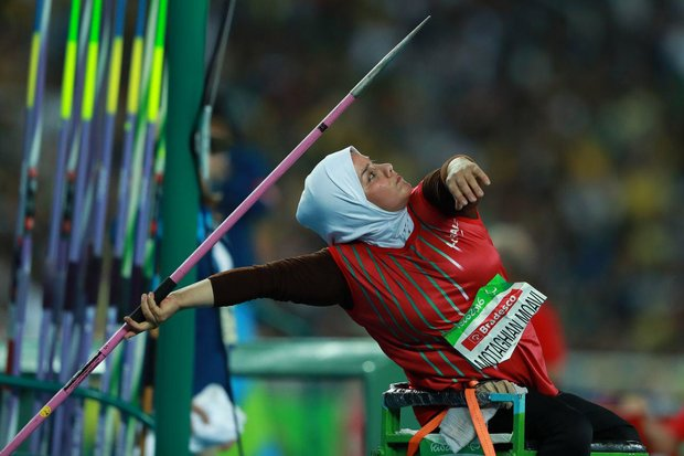 Female javelin thrower breaks Asian record at London 2017