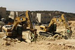 الاحتلال يهدم منشآت سكنية وتجارية لفلسطينيين في القدس