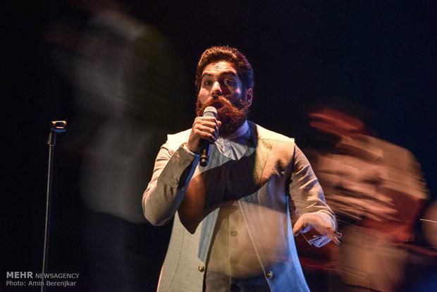 تک آهنگ «نقاب» با صدای علی زندوکیلی رونمایی می شود