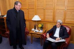 اختلاف وزرای خارجه و دفاع آمریکا پیرامون توافق آتش بس در سوریه