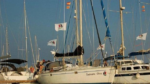 """البحرية الإسرائيلية تستولي على سفينة """"زيتونة"""""""