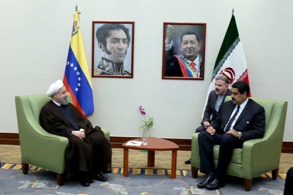 روحاني: تعزيز العلاقات الاقتصادية بين فنزويلا وايران أولوية للمسؤولين في البلدين