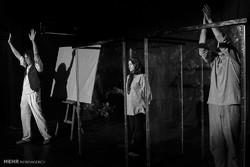 """""""نزهة مع الخيل"""" على خشبة  مسرح طهران"""
