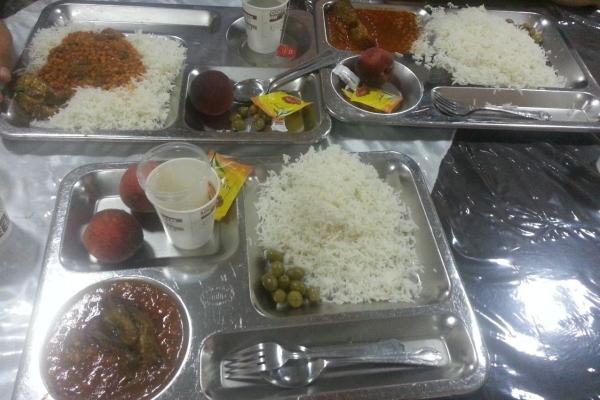 رشد ۱۲درصدی قیمت ژتون غذای دانشجویی/ رستوران آزاد دانشجویی نداریم