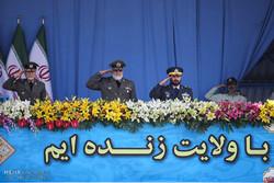 الاستعراض العسكري للقوات المسلحة الايرانية في طهران