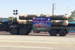 عرض منظومة s300 في الاستعراض العسكري للقوات المسلحة بطهران
