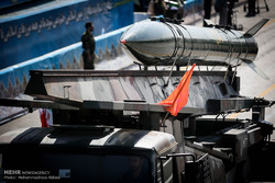 الاستعراض العسكري للقوات المسلحة الايرانية في طهران (2)
