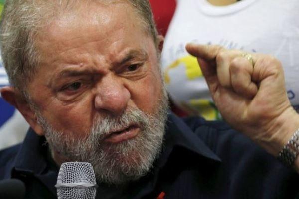 آمریکا همیشه در پس سقوط حکومتهای آمریکای لاتین است