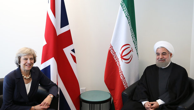 Iran's Rouhani (R) in a meeting with British Prime Minister Theresa May (L) on Tuesday on the sidelines of the 71st United Nations General Assembly in New York.