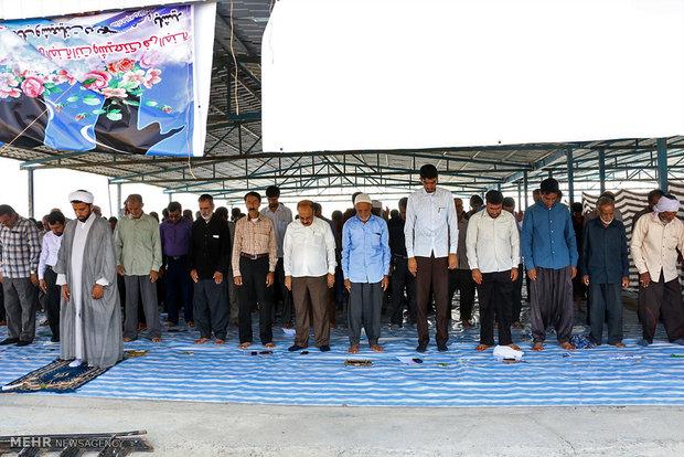 اقامه نماز جماعت در ۱۵۰۰ مدرسه استان همدان