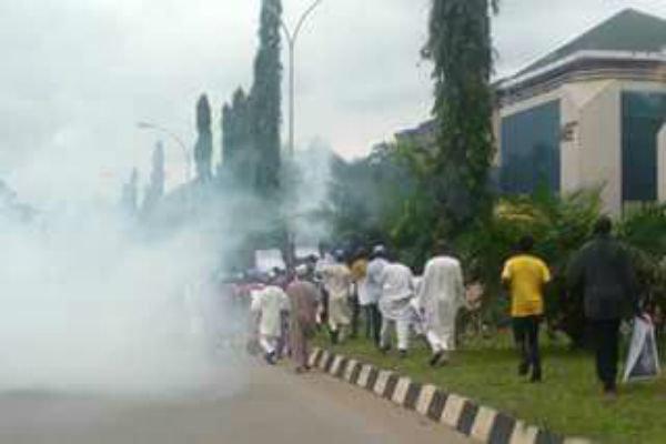 الشرطة النيجيرية تقمع تظاهرات سلمية مطالبة بالافراج عن الشيخ زكزاكي