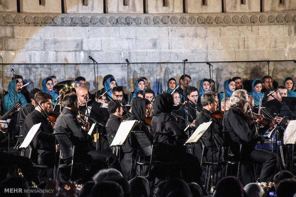 اجرای آثار جاودانه موسیقی فیلمهای دفاع مقدس به رهبری مجید انتظامی