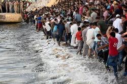 ارتفاع عدد ضحايا غرق قارب قبالة جزيرة اندونيسية إلى 36 قتيلا