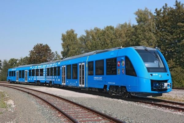قطاری که به بوشهر نرسید/ ریلهای راهآهن نیمهکاره ماند