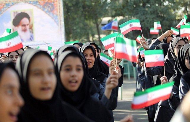 دستگیری خرده فروشان مواد مخدر اطراف مدارس/ توقیف خودروهای مزاحم