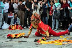 آغاز به کار جشنواره تئاتر خیابانی مریوان