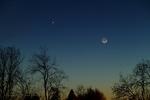 رصد همنشینی هلال ماه و سیاره عطارد در صبحگاه پنجشنبه