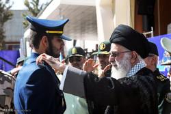 مراسم الدورة العاشرة لتخرج وتحليف ومنح رتب لطلاب الجيش الايراني