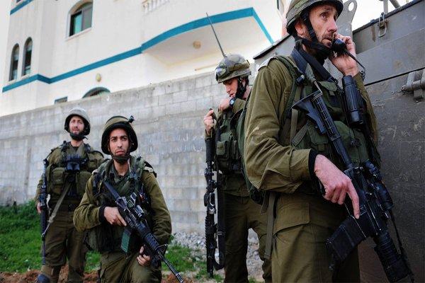 یورش گسترده صهیونیستها به کرانه باختری/۱۲ فلسطینی بازداشت شدند