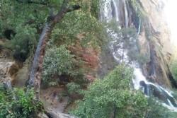 انسداد راه دسترسی آبشارهای «چکان» و «آب سفید» لرستان