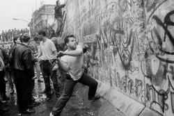 یادبود قربانیان دیوار برلین برگزار می شود