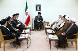 قائد الثورة الاسلامية يستقبل اعضاء المجلس الاعلى للحوزات العلمية