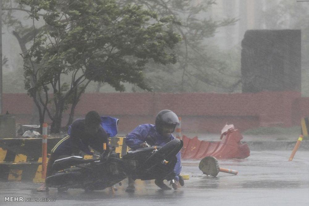 عکس العمل مردم در هوای طوفانی