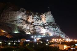 کوه صفه در شب
