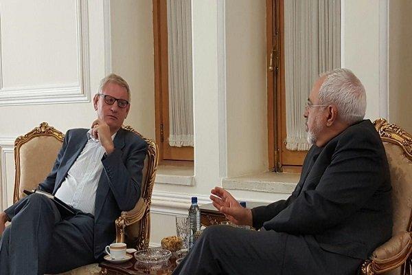 ظريف يستقبل وزير خارجية السويد السابق