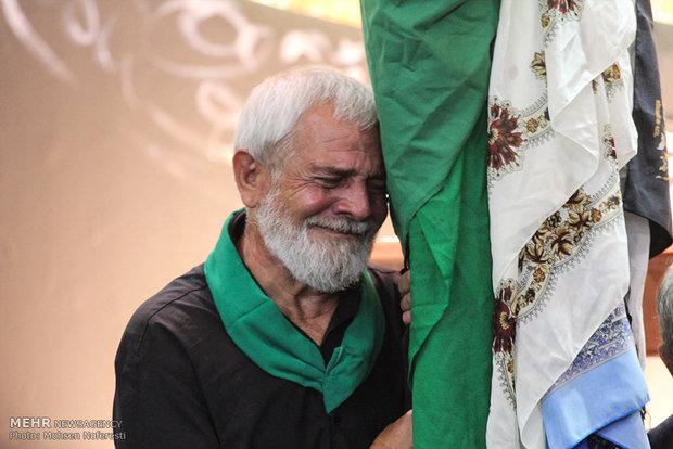 مراسم رفع الرايات في بيرجند في محرم/ صور